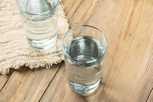 多喝水可以减肥吗?掌握正确喝水方法,你也能慢慢瘦下来