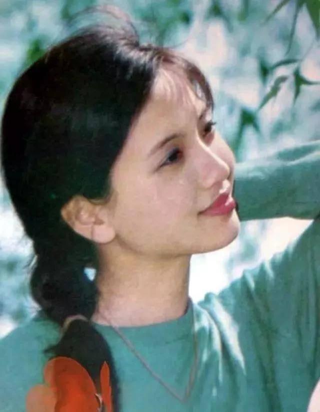 为爱守寡13年,从江南第一佳丽到母亲业余户,她的美从不败光阴(图5)