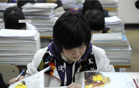 """高考""""最惨""""省毋庸置疑,复读生超46万,700分未"""