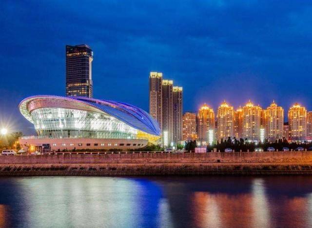 """中国省gdp_中国""""关系最铁""""的2个省,GDP相差1万多亿,两地人却互称老表!"""