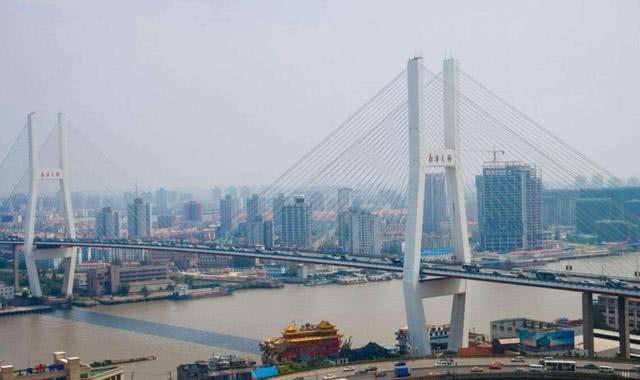 中国经济总量最强城市,不是北京也不是深圳,GDP将突破4万亿