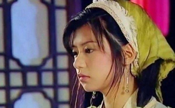 6位女星戴头巾:杨颖接地气