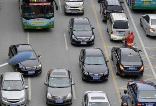 为什么老司机停车从不折叠后视镜?维修工解释道