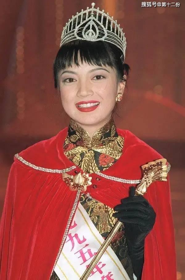 她是香港妹子冠军 50岁结婚 破产 外债 千夫失踪 靠打工养后代
