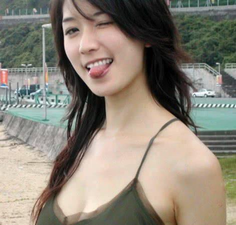 艳压林志玲成新一代女神,面目面貌姣美身体火辣,被誉为台湾第一美男(图1)