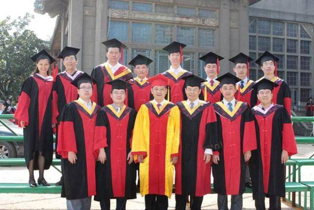 职称:博士毕业三年 上海年薪20万 有必要