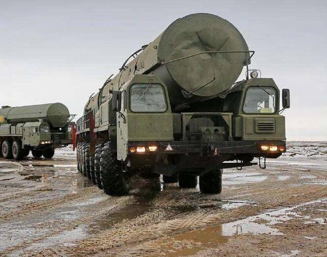 导弹车5000万买回家 每100公里耗油230升 它