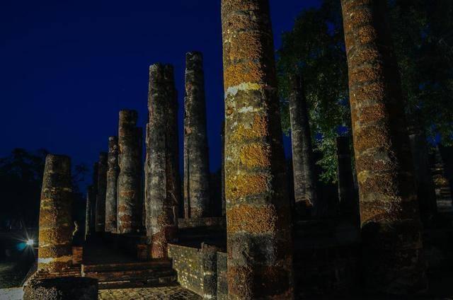泰国这个只存在200多年的王朝,竟留下众多遗产,古城墙都有三重