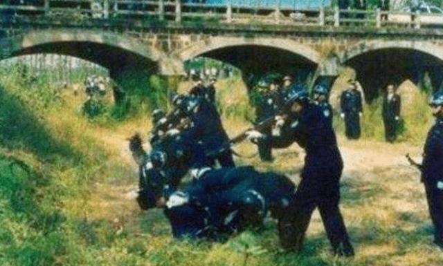 """内蒙古37年前""""血案"""",8个少年一夜杀掉27人,最大75岁最小2岁 ..._图1-6"""