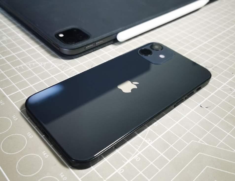 原创            iPhone12关注度创9年最低,最火的苹果为啥都不能吸引人?