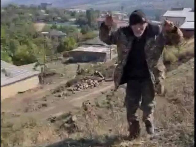 亚美尼亚70多岁老兵被虐杀,战斗越来越惨烈,极端武装或已介入