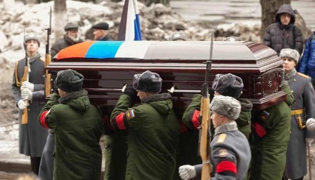 原创   乌克兰将军:俄罗斯如果扩大侵略,扔下的尸体会跟车臣战争一样多    第2张