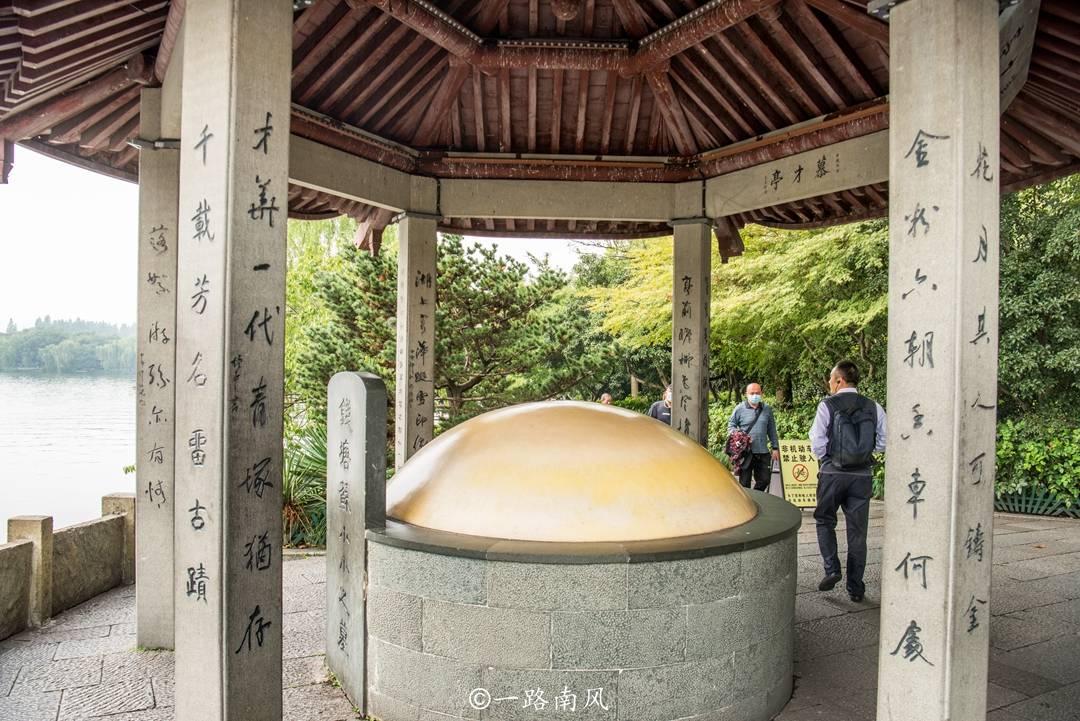杭州有个特别的景点,主角不是神仙和名臣良将,而是一个古代名妓