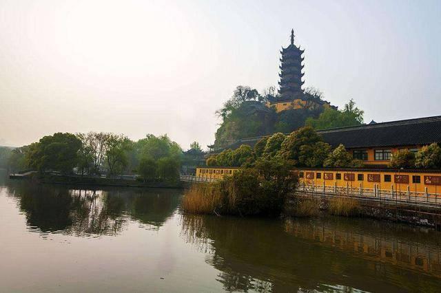 镇江有一座千年寺庙,门票65张。这里有很多传说