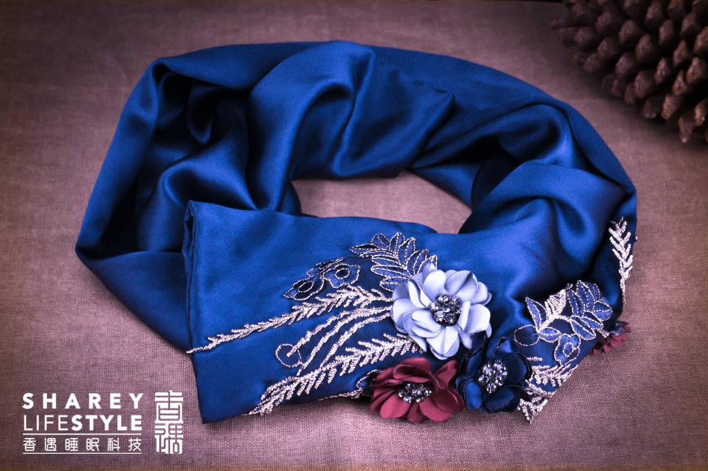 入手沉香丝巾,气质加持化身秋季时髦精