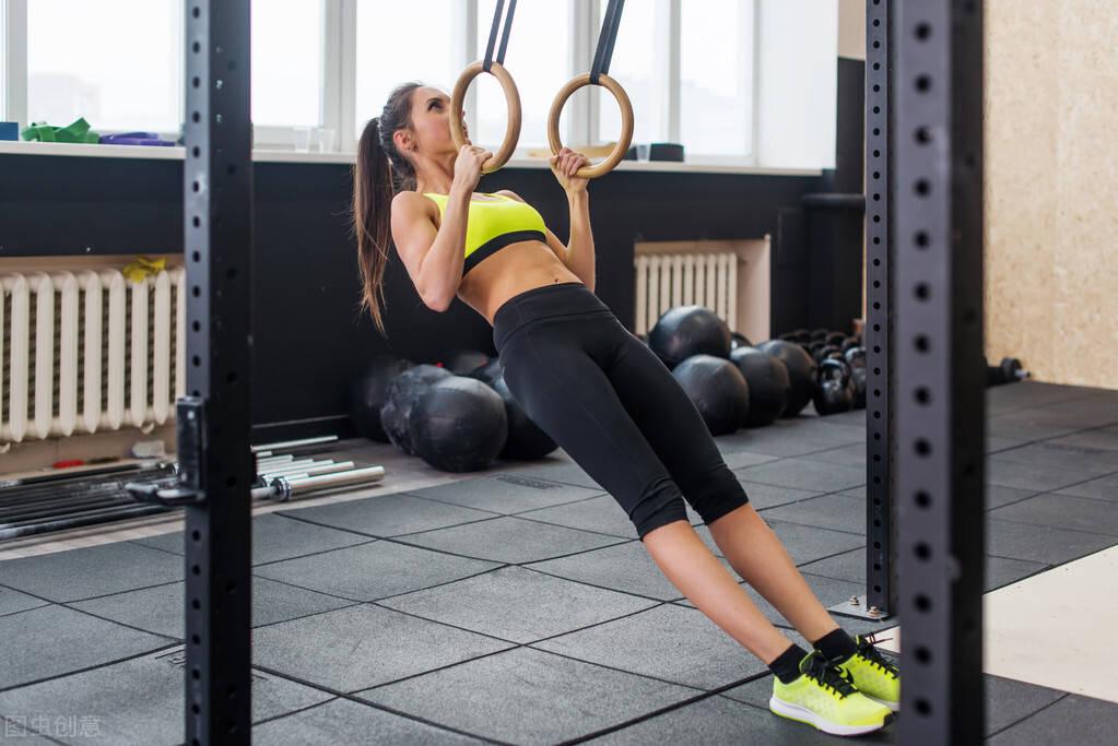 无法完成引体向训练?按照这3个步骤练,学会引体向上很简单