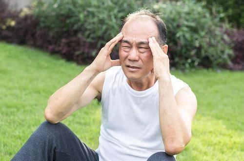 """高血压不想""""脑溢血"""",营养师提醒:4类食物再想吃也要忍住"""