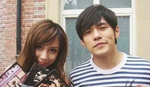 杨颖给周董伴舞旧照被扒,18岁就这个样子,还说她整容吗?