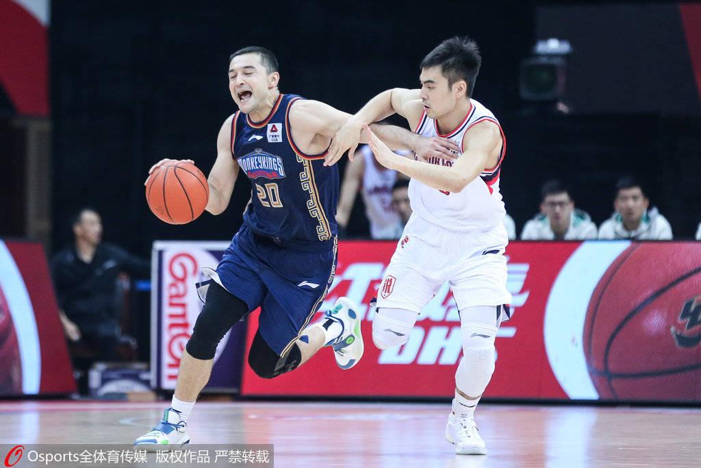 同曦以111-110绝杀广州,完结4连败的颓势,西热力江还剩0.8秒时准绝杀