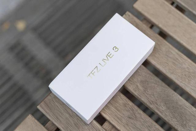 为了高颜值,我买了TFZ LIVE 3,音质不输千元级耳机