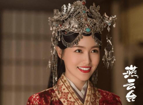 36岁唐嫣与45岁佘诗曼同演少女,口碑差太多,原因不在演技