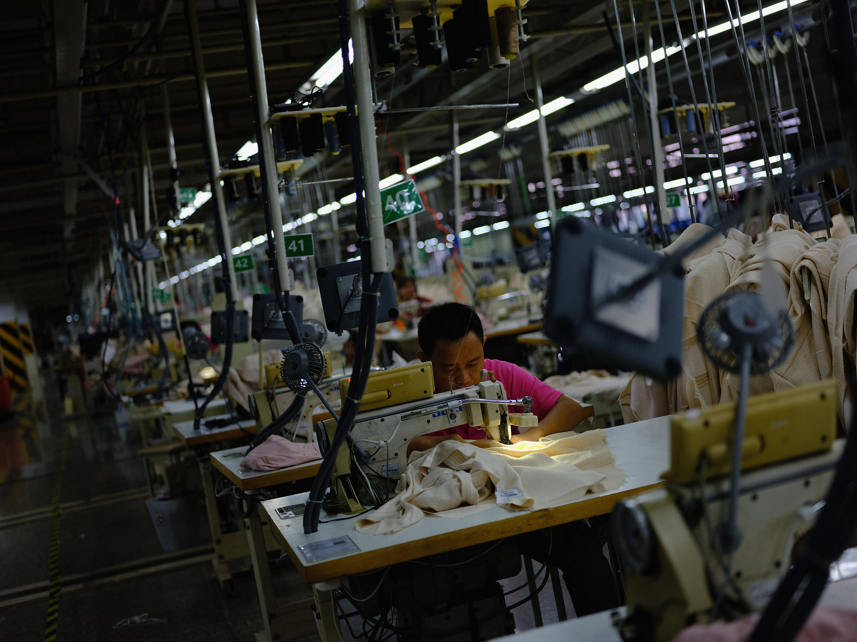 中国移动 服装加工厂厂房内打造5g高清直播间开启 前店后厂 模式图片