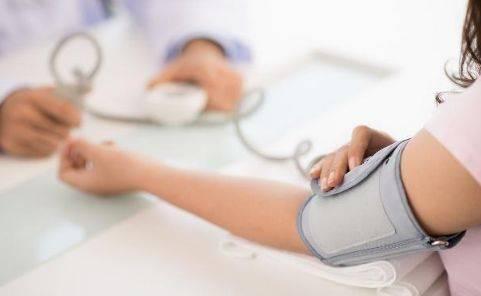 """高血压有""""三怕"""",早上牢记""""三要、三不要"""",有助平稳""""血压"""""""