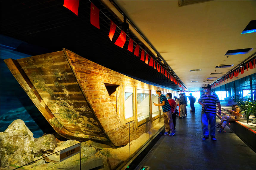 广东有个神奇博物馆,一艘失踪800年的南宋沉船,发现18万件文物