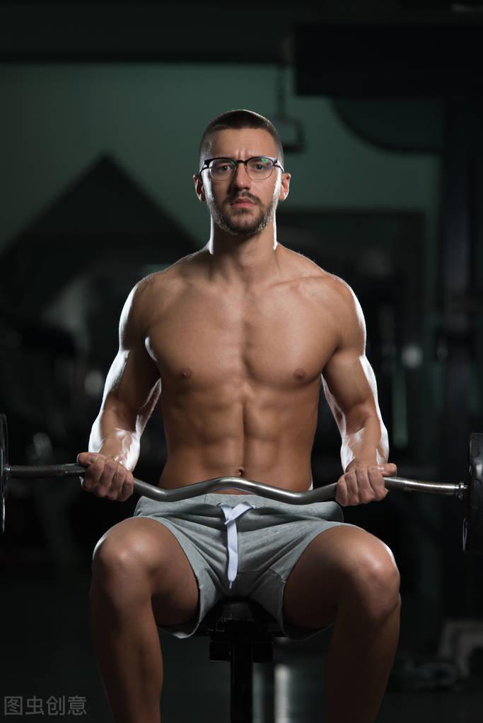 你需要多久才能练出腹肌?因人而异,最快2个月虐出腹肌!