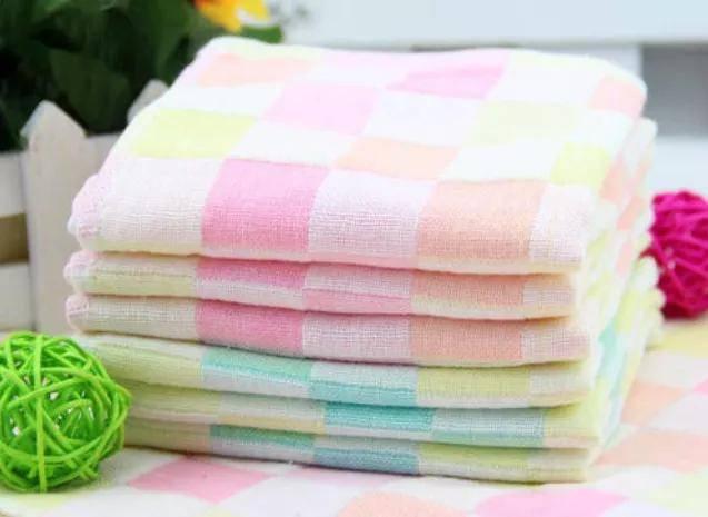 如何挑选适合婴幼儿游泳洗澡的浴巾?看这四方面