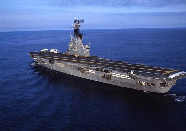 失去航母的第24年,阿根廷海军飞行员仍坚持模拟着舰训练