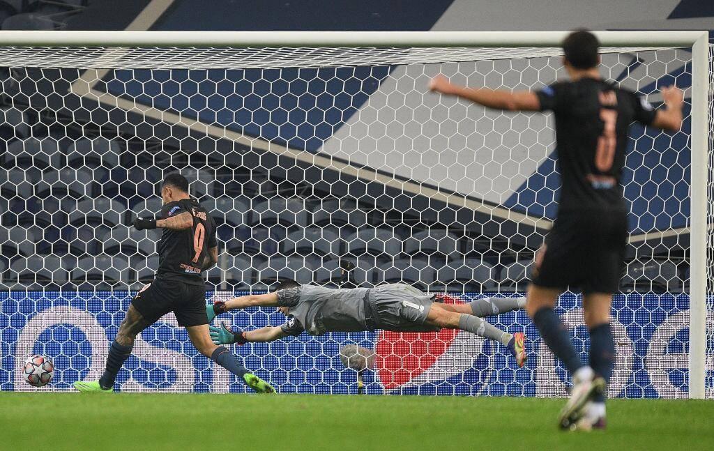 欧冠-热苏斯进球被吹斯特林掉单刀曼城0-0锁定第1