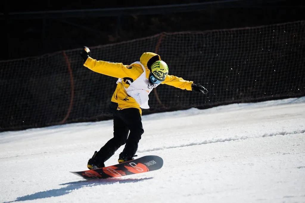 """又到一年滑雪季——伏牛山滑雪""""首滑周""""大优惠"""