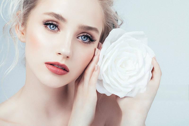 婧氏开启护肤新主张,释放女性与生俱来的肌肤之美