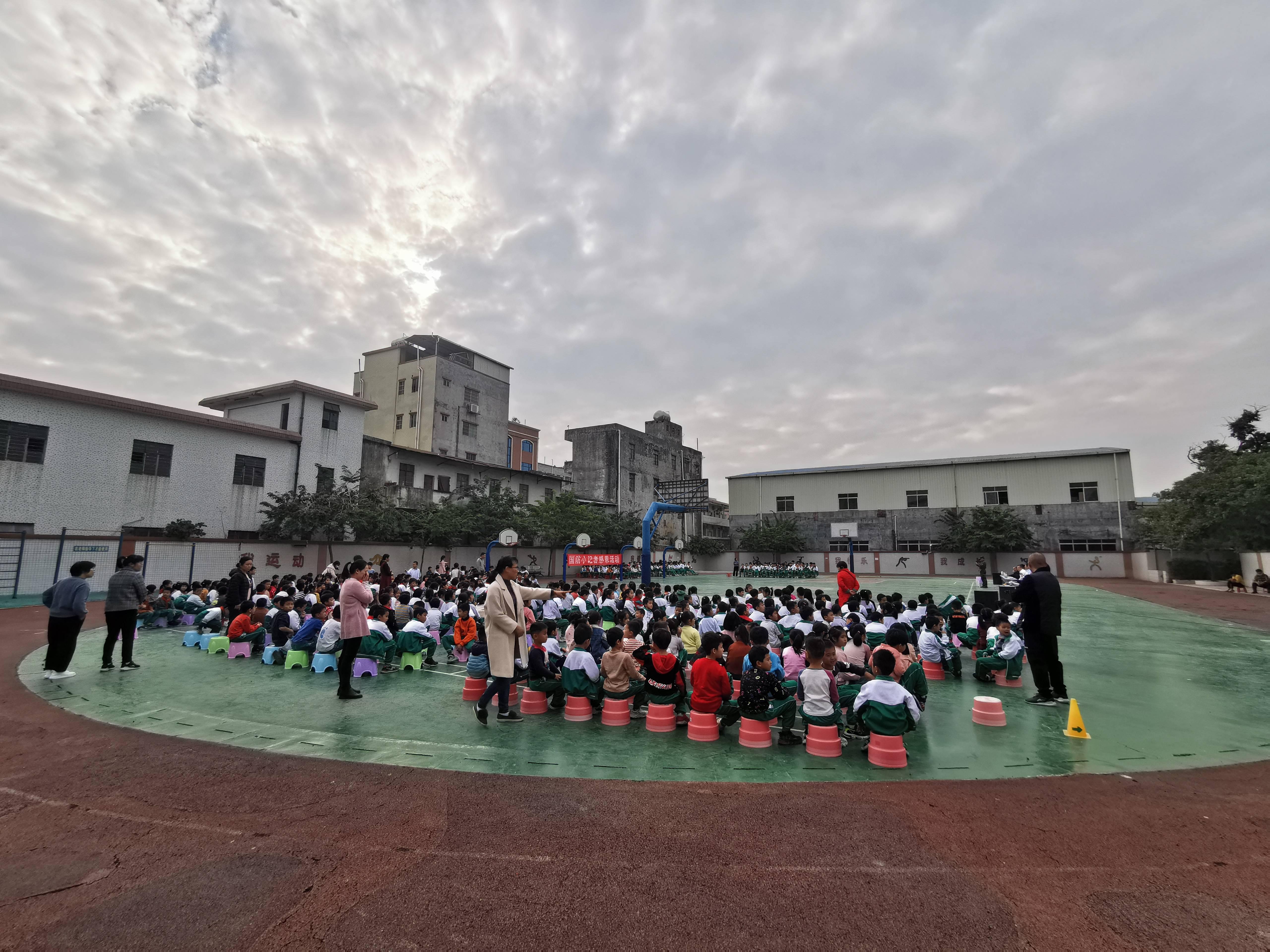 国防小记者感恩活动在广州白沙校进行(图7)