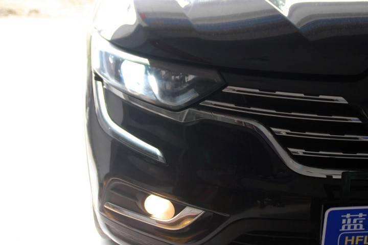 雷诺Koleos改装的LED大灯专业镜头LED大灯是换灯更安全的选择
