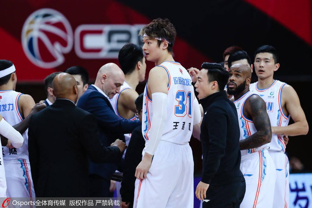 北京双雄连续送温暖 福建赛季第二胜脱节垫底为难