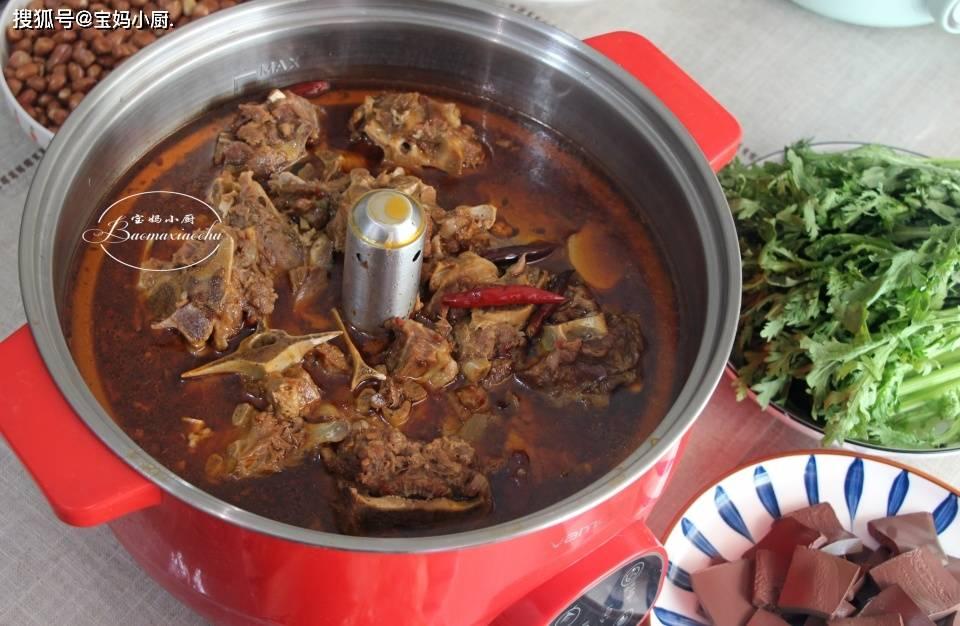 原来天气冷,在家吃羊蝎火锅。味道还是经济的,做法简单家常