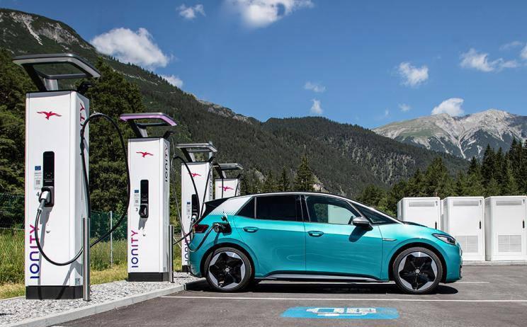 大众充电设施的建设将加速新的300kW充电桩的建设ln6