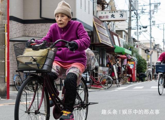 日本人极爱自行车但为何将心头爱摆在街上难道不怕被偷?