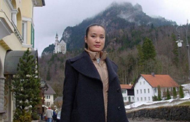 24岁在春晚走红,定居在国外患癌去世,临终前暴露最大遗憾