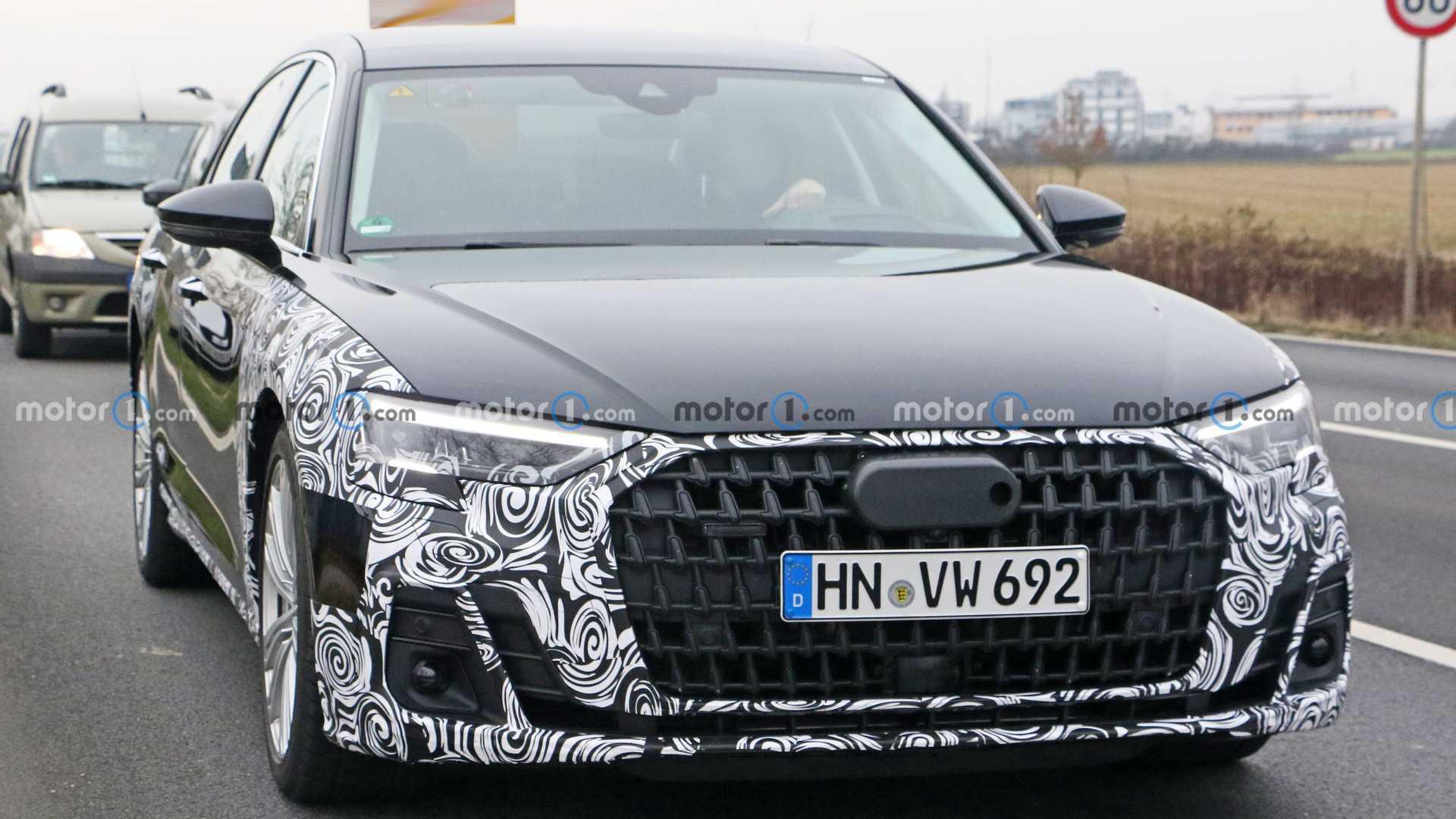 为了与新款奔驰S级竞争,奥迪A8中期谍照在新年亮相,增加了插电式混合动力版