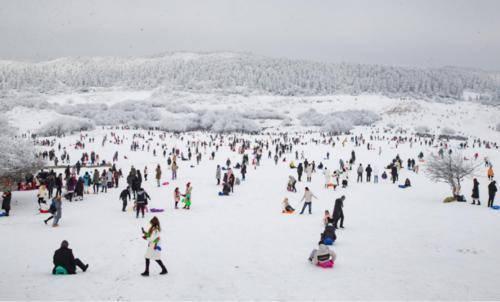 元旦假期 重庆冰雪旅游火了