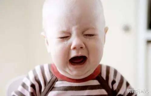 原来小孩子哭,不抱,不哭不抱。做过这种事的家长都后悔了