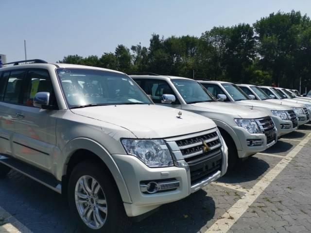 进口的20辆三菱帕杰罗V97顶级越野车已经在全国范围内投放