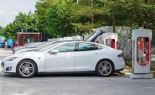 为什么路上的新能汽车,纯电动国产的多,油电混合的合资多?_新能源
