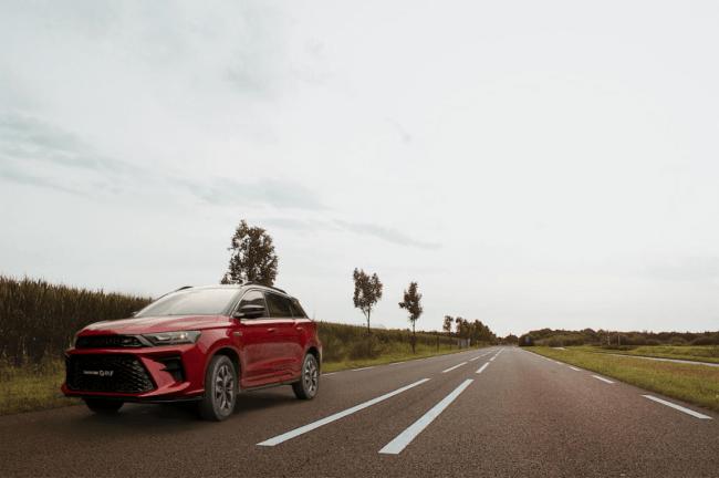 """新年最值得买的SUV,晃G01 F既能拉风又能""""装"""""""