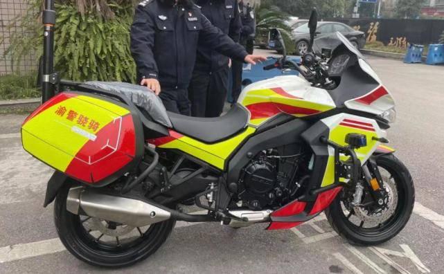 原国产750双缸摩托车屏幕后面的济南捷迪是什么品牌?