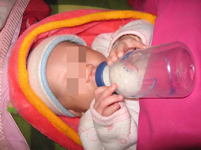 """清洗奶瓶只用热水冲一下?妈妈的""""偷懒""""行为,导致宝宝得肠胃炎  第3张"""