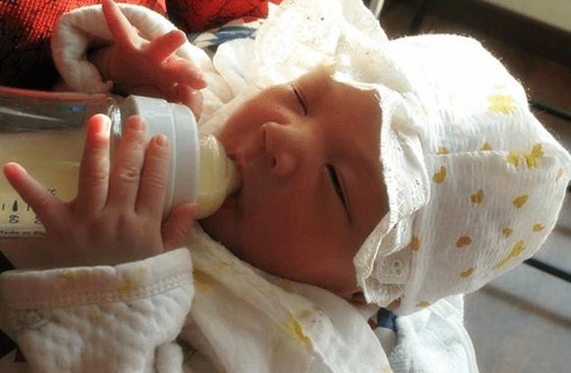 原创为啥宝宝吃了辅食还不停喝夜奶?不是没吃饱,5种原因妈妈来对照